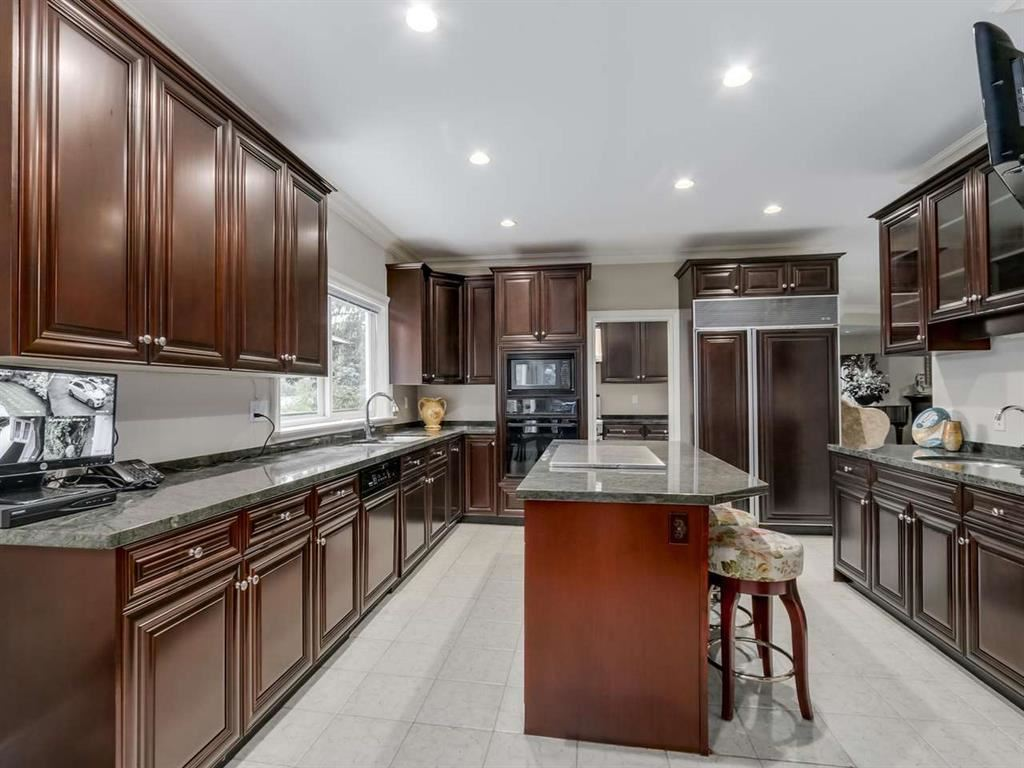 Detached at 7547 BURRIS STREET, Burnaby South, British Columbia. Image 4