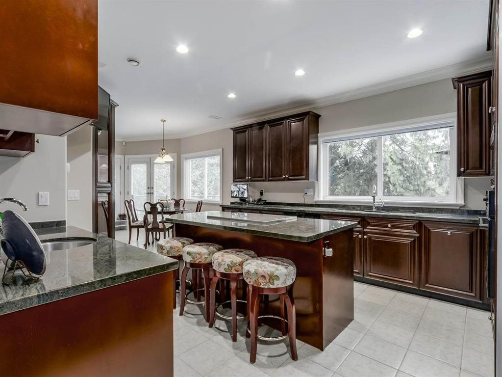 Detached at 7547 BURRIS STREET, Burnaby South, British Columbia. Image 5