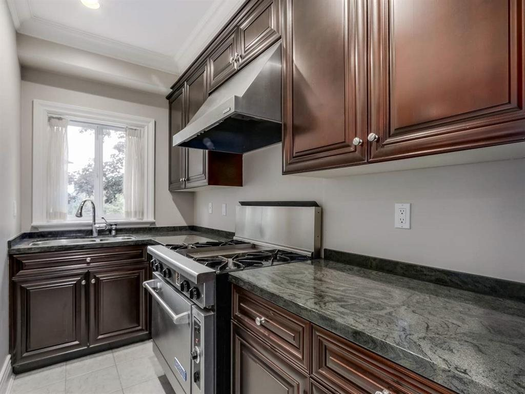 Detached at 7547 BURRIS STREET, Burnaby South, British Columbia. Image 7