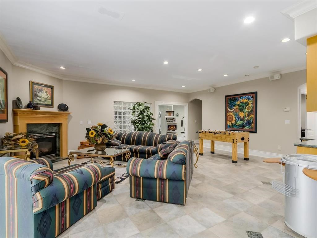 Detached at 7547 BURRIS STREET, Burnaby South, British Columbia. Image 14