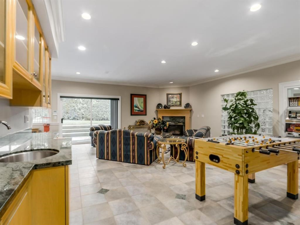 Detached at 7547 BURRIS STREET, Burnaby South, British Columbia. Image 15