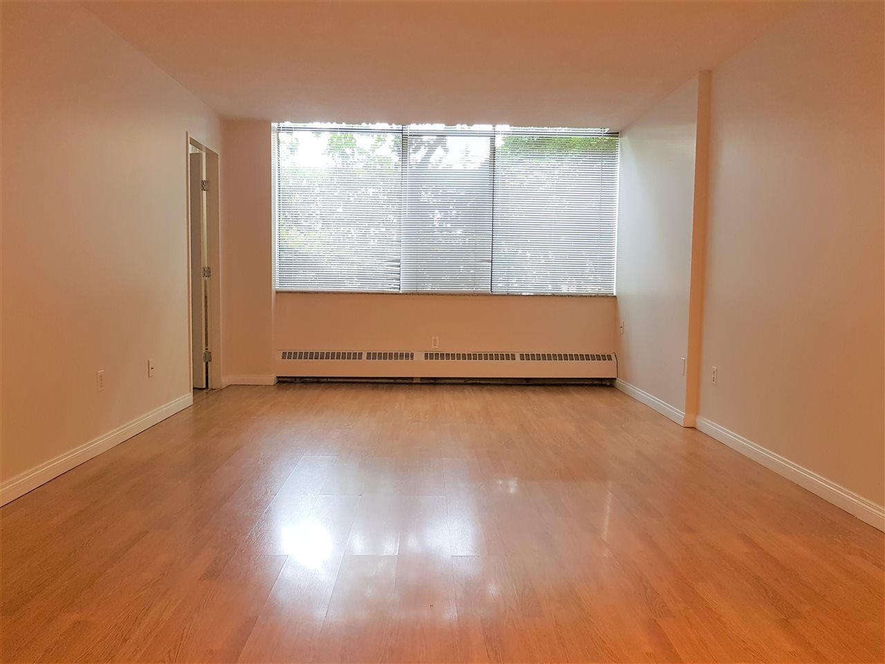 Condo Apartment at 105 6631 MINORU BOULEVARD, Unit 105, Richmond, British Columbia. Image 6