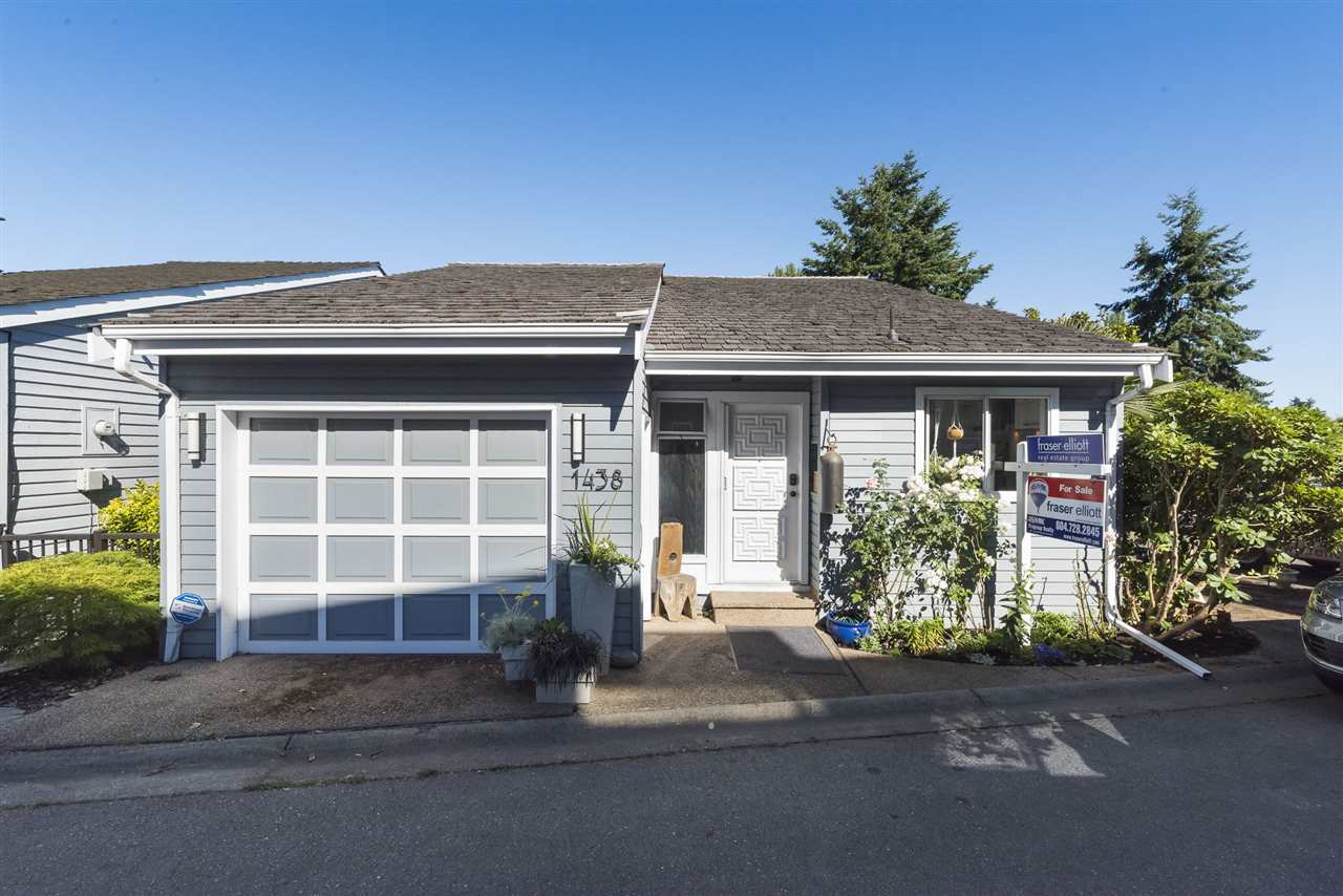 Detached at 1438 VILLAGE GREENS WYN, Tsawwassen, British Columbia. Image 2