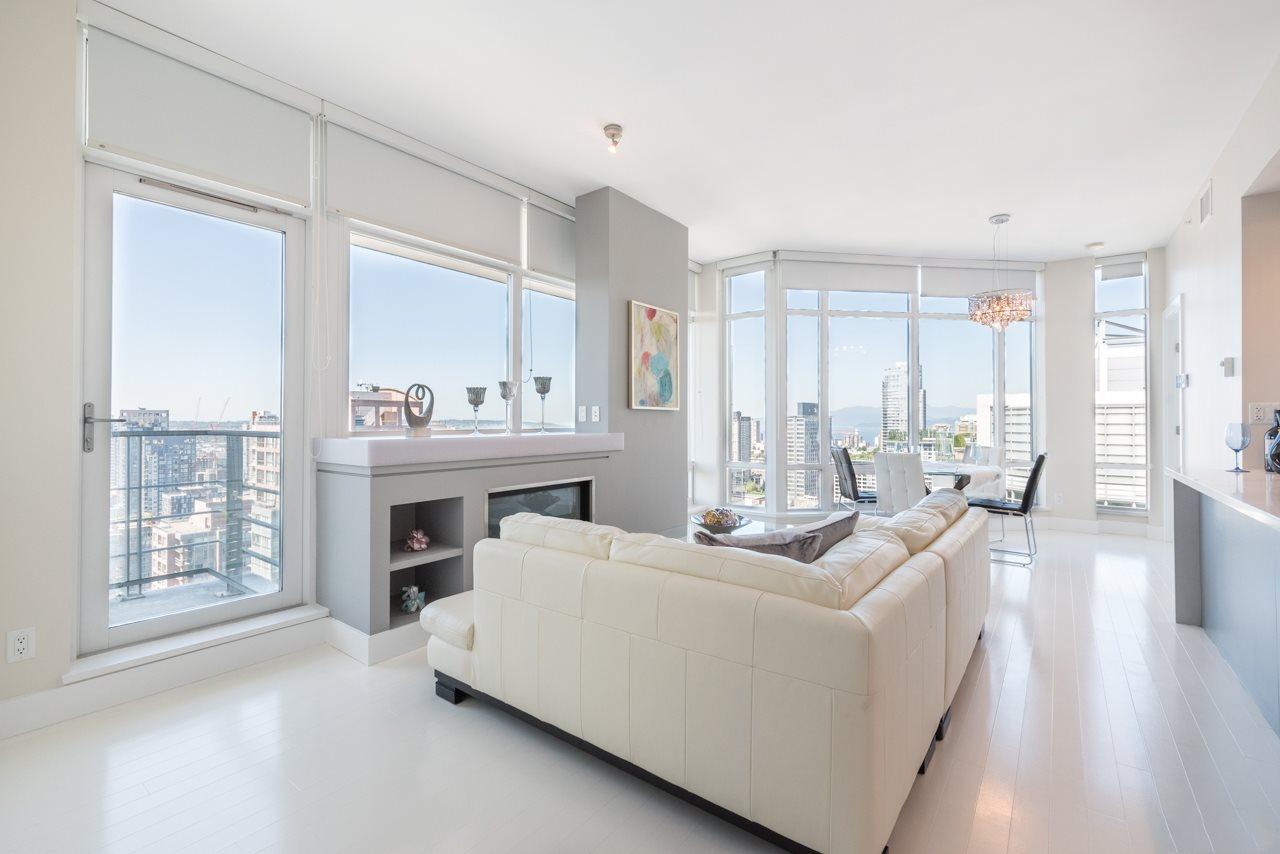 Condo Apartment at 3103 535 SMITHE STREET, Unit 3103, Vancouver West, British Columbia. Image 1
