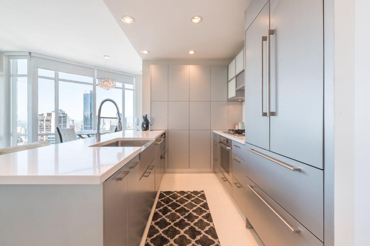 Condo Apartment at 3103 535 SMITHE STREET, Unit 3103, Vancouver West, British Columbia. Image 2