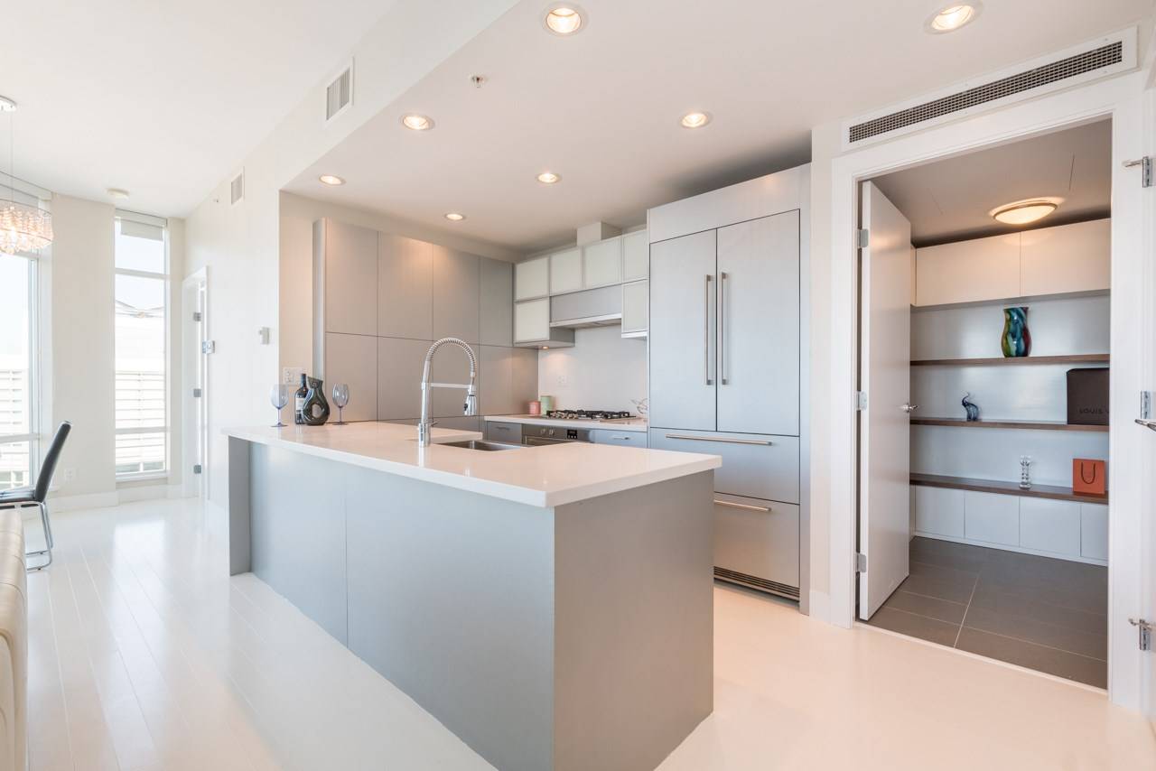Condo Apartment at 3103 535 SMITHE STREET, Unit 3103, Vancouver West, British Columbia. Image 4