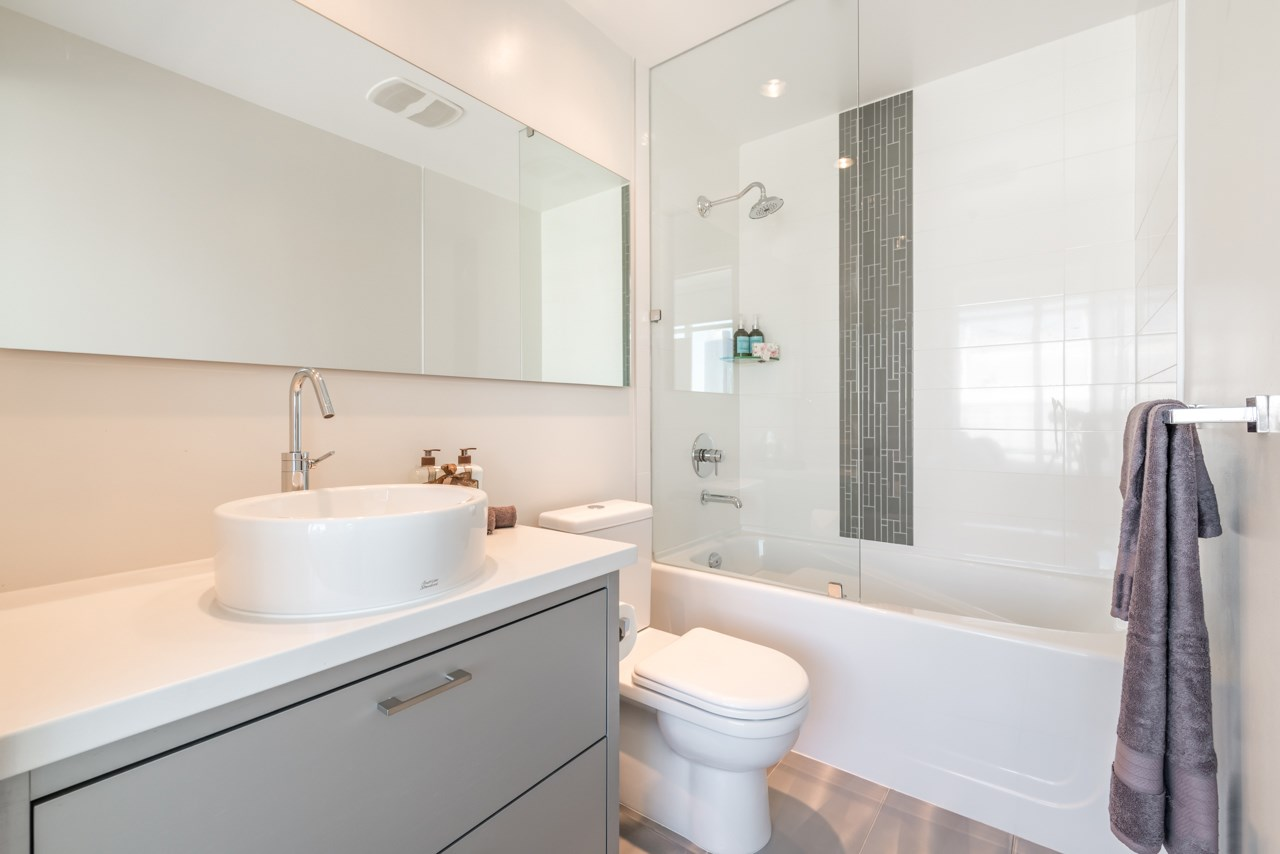 Condo Apartment at 3103 535 SMITHE STREET, Unit 3103, Vancouver West, British Columbia. Image 9