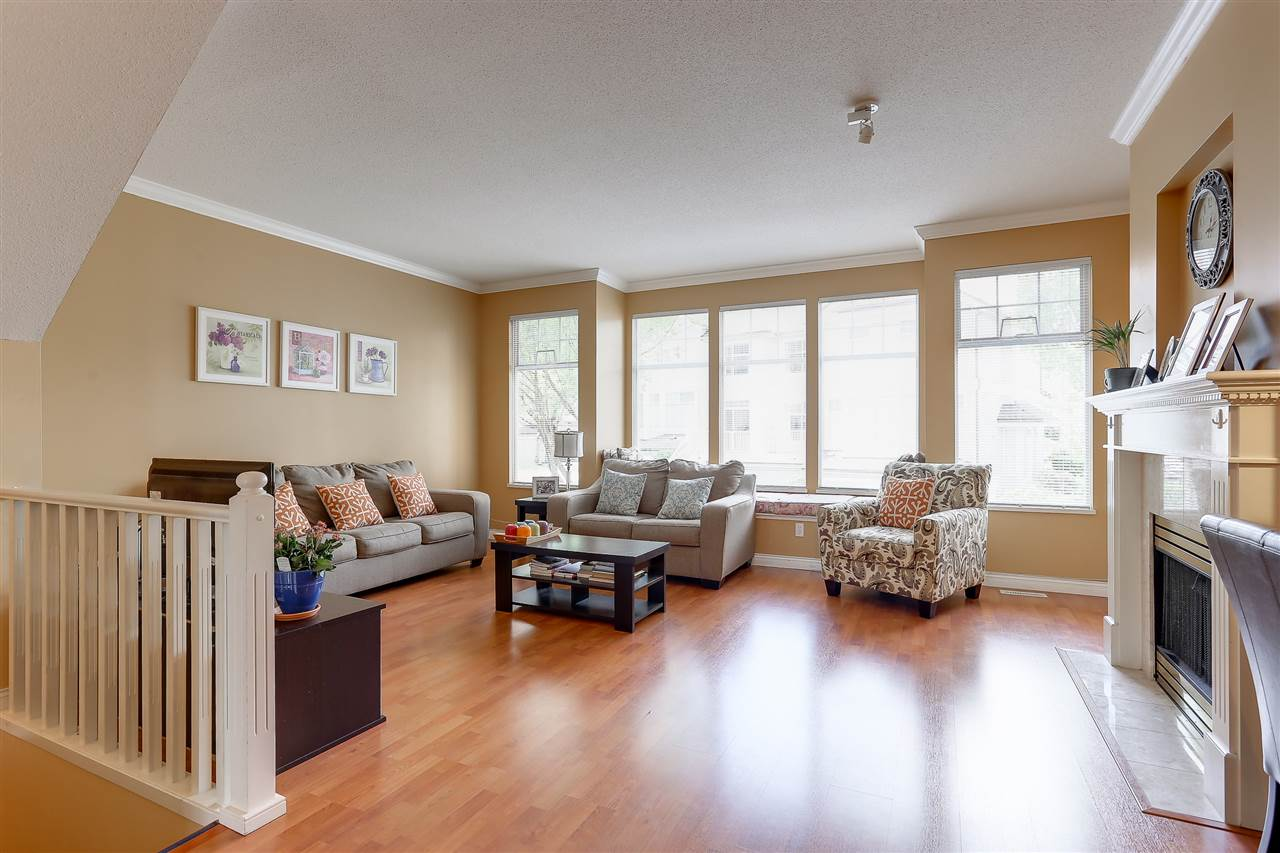 Townhouse at 54 5950 OAKDALE ROAD, Unit 54, Burnaby South, British Columbia. Image 2