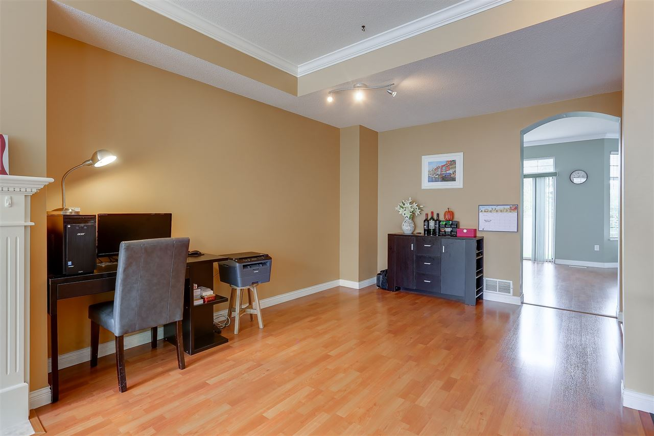Townhouse at 54 5950 OAKDALE ROAD, Unit 54, Burnaby South, British Columbia. Image 4