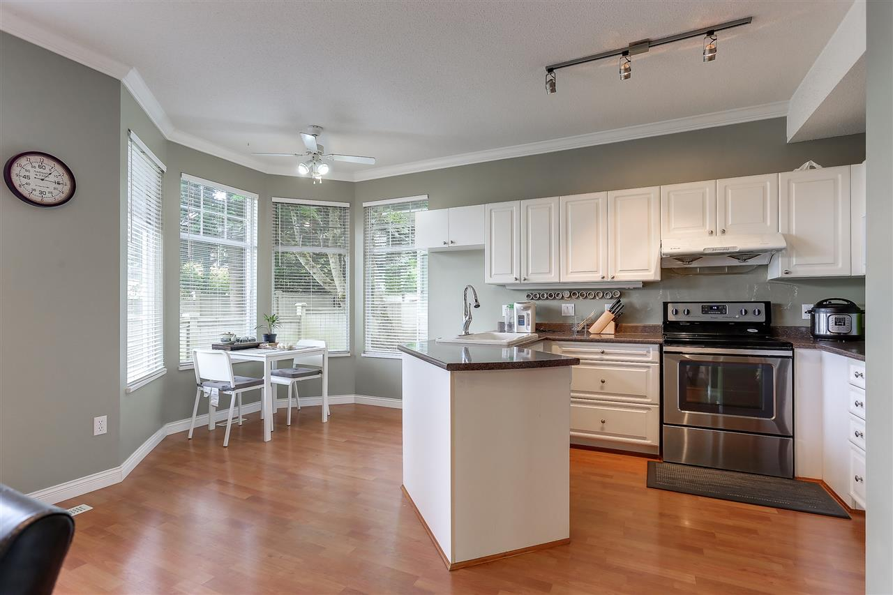 Townhouse at 54 5950 OAKDALE ROAD, Unit 54, Burnaby South, British Columbia. Image 5