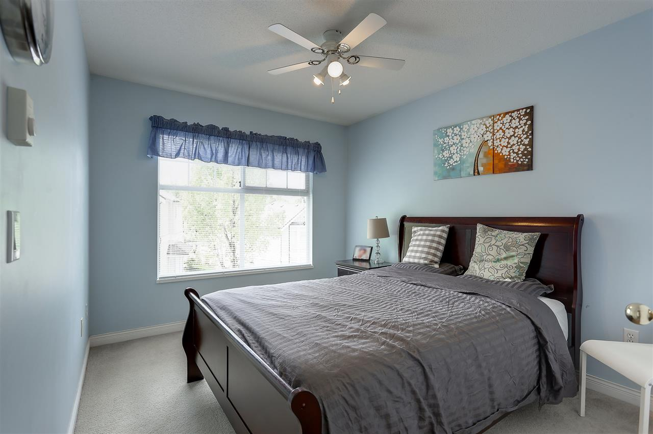 Townhouse at 54 5950 OAKDALE ROAD, Unit 54, Burnaby South, British Columbia. Image 13