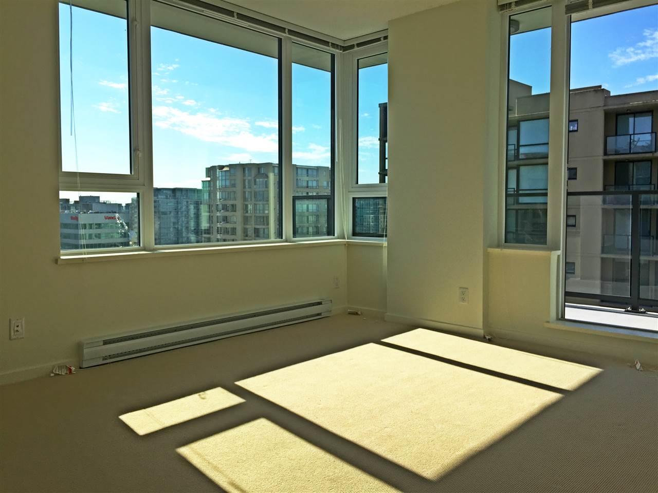 Condo Apartment at 1601 7733 FIRBRIDGE WAY, Unit 1601, Richmond, British Columbia. Image 6