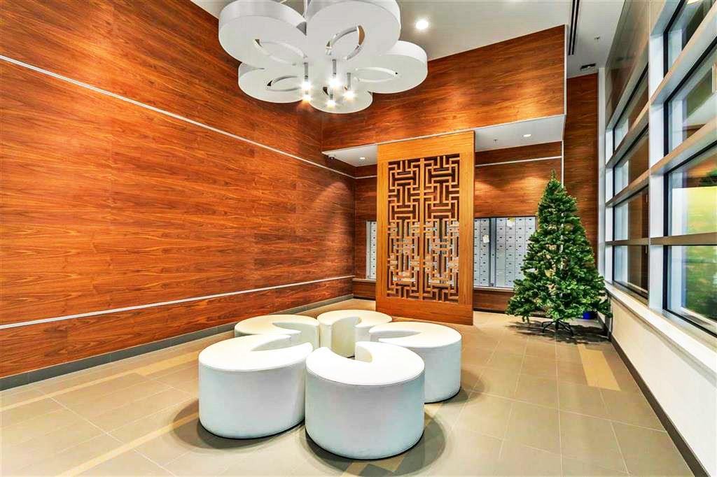 Condo Apartment at 1601 7733 FIRBRIDGE WAY, Unit 1601, Richmond, British Columbia. Image 10