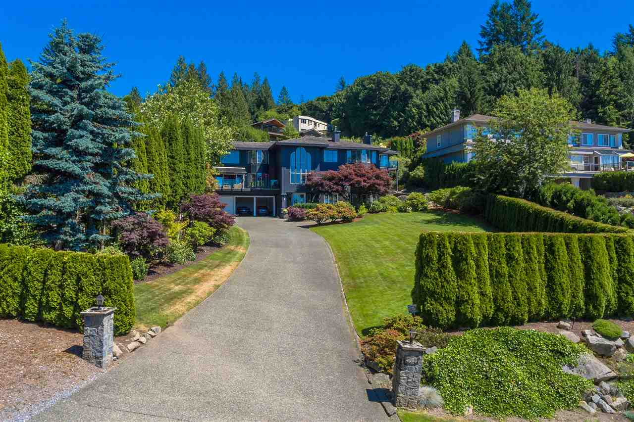 Detached at 4860 NORTHWOOD DRIVE, West Vancouver, British Columbia. Image 15