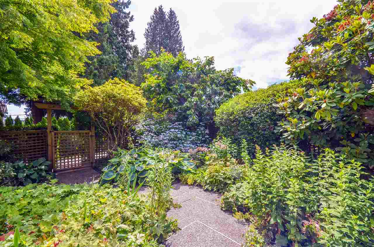 Detached at 1480 14TH STREET, West Vancouver, British Columbia. Image 12