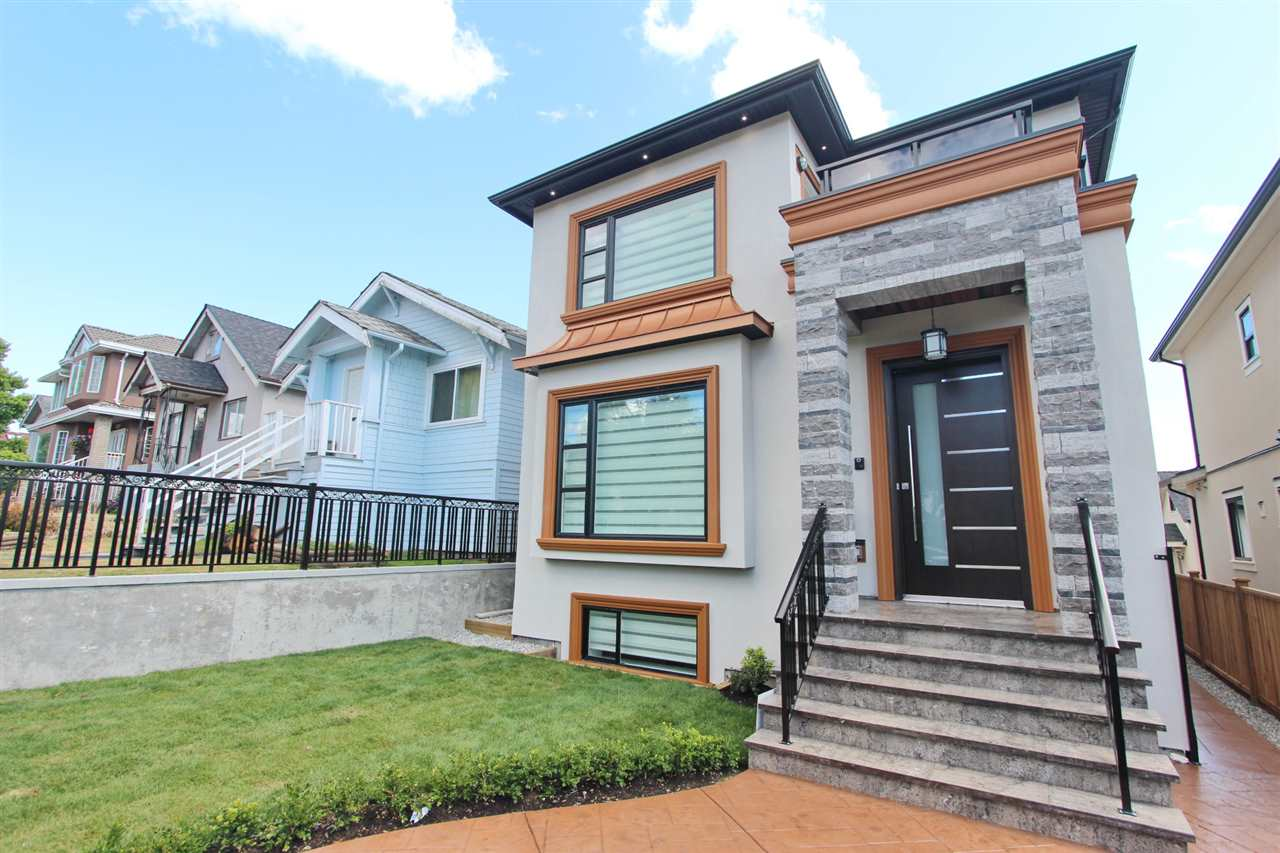 Detached at 2576 E 7TH AVENUE, Vancouver East, British Columbia. Image 2