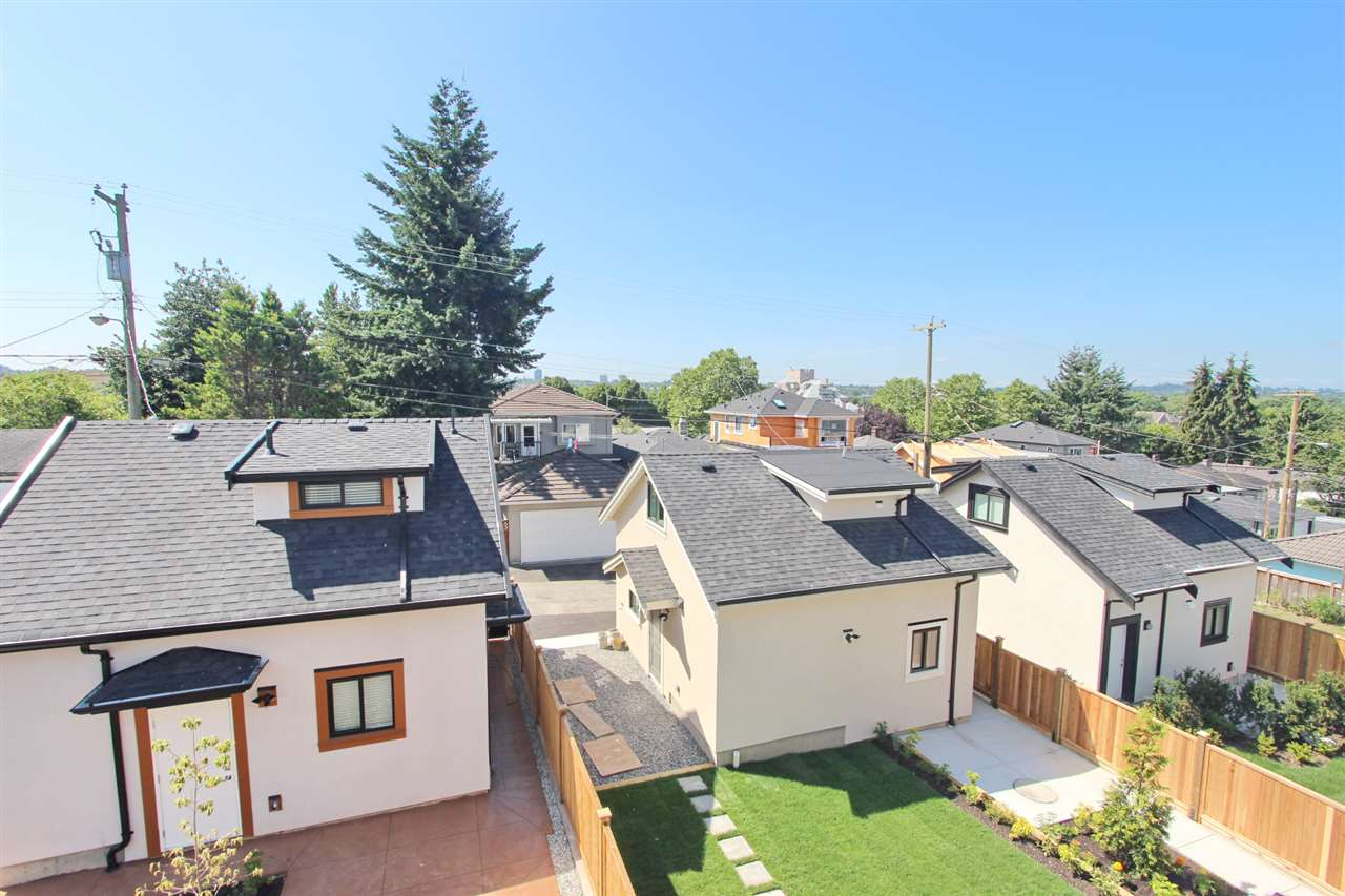 Detached at 2576 E 7TH AVENUE, Vancouver East, British Columbia. Image 18
