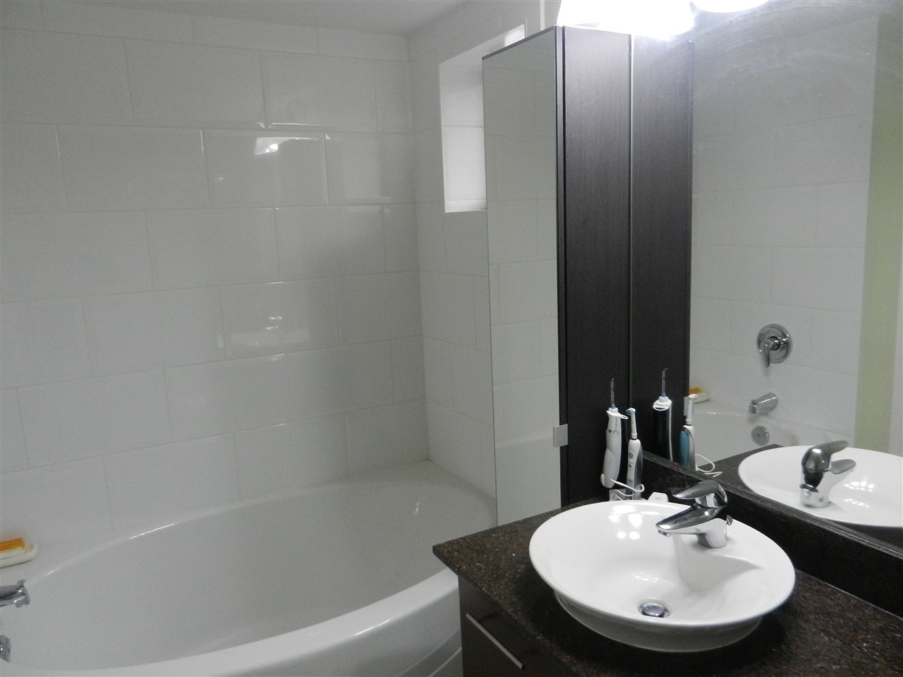 Condo Apartment at 517 7831 WESTMINSTER HIGHWAY, Unit 517, Richmond, British Columbia. Image 8