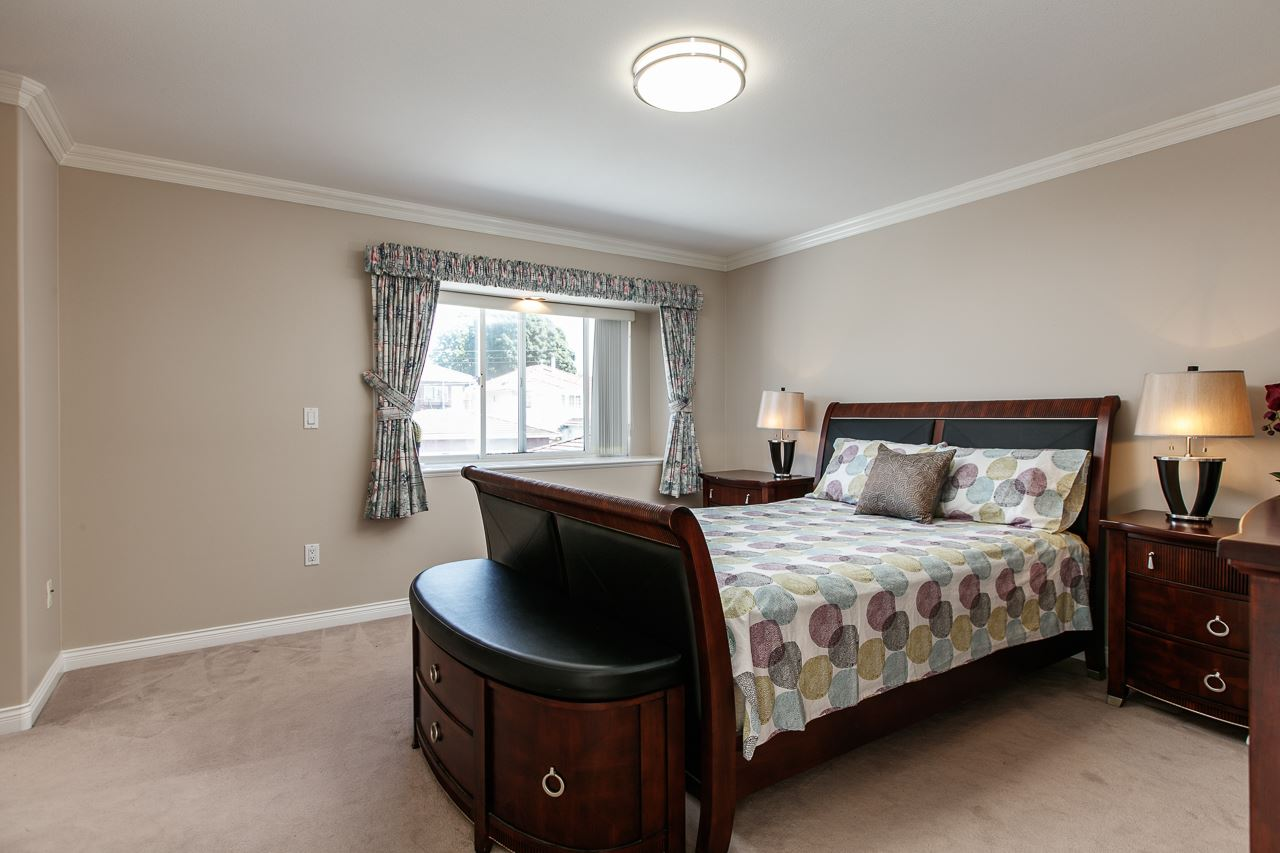 Detached at 6228 DOMAN STREET, Vancouver East, British Columbia. Image 11