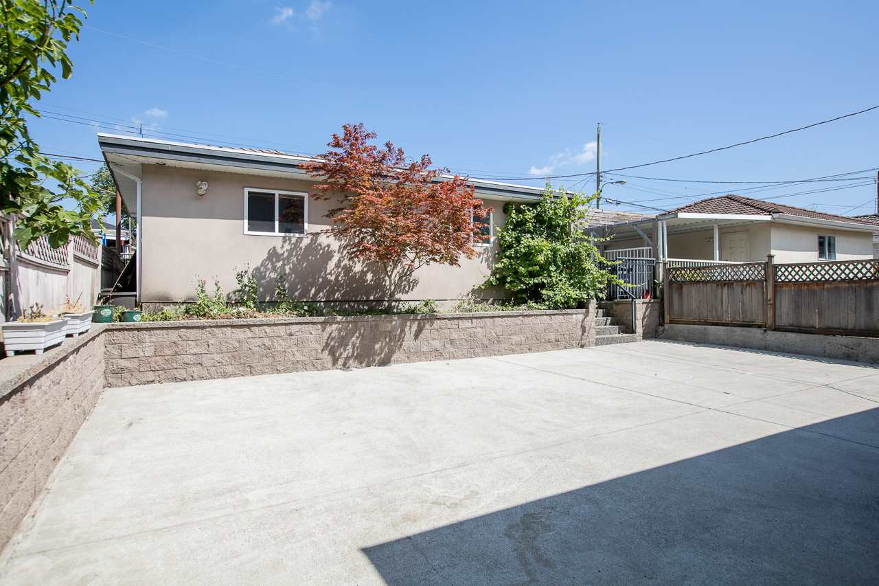 Detached at 6228 DOMAN STREET, Vancouver East, British Columbia. Image 19