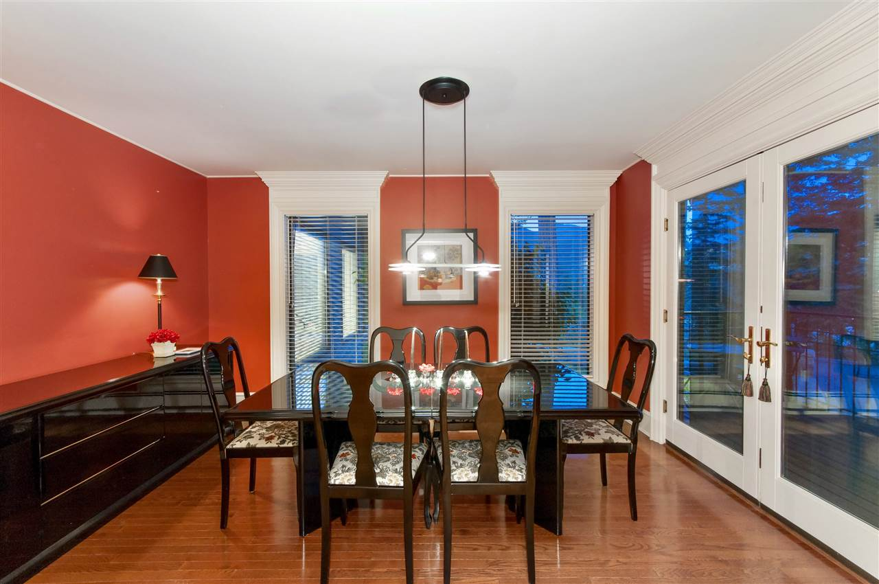 Detached at 5872 FALCON ROAD, West Vancouver, British Columbia. Image 6