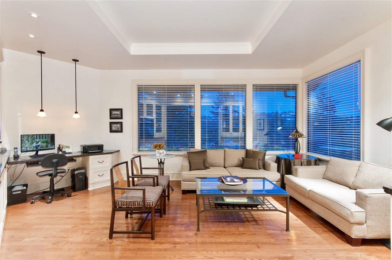 Detached at 5872 FALCON ROAD, West Vancouver, British Columbia. Image 10