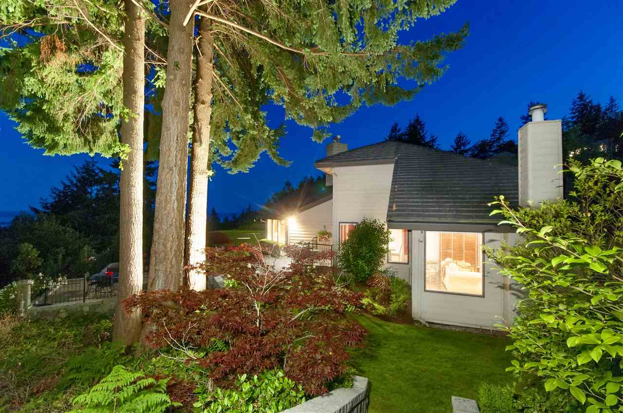 Detached at 5872 FALCON ROAD, West Vancouver, British Columbia. Image 19