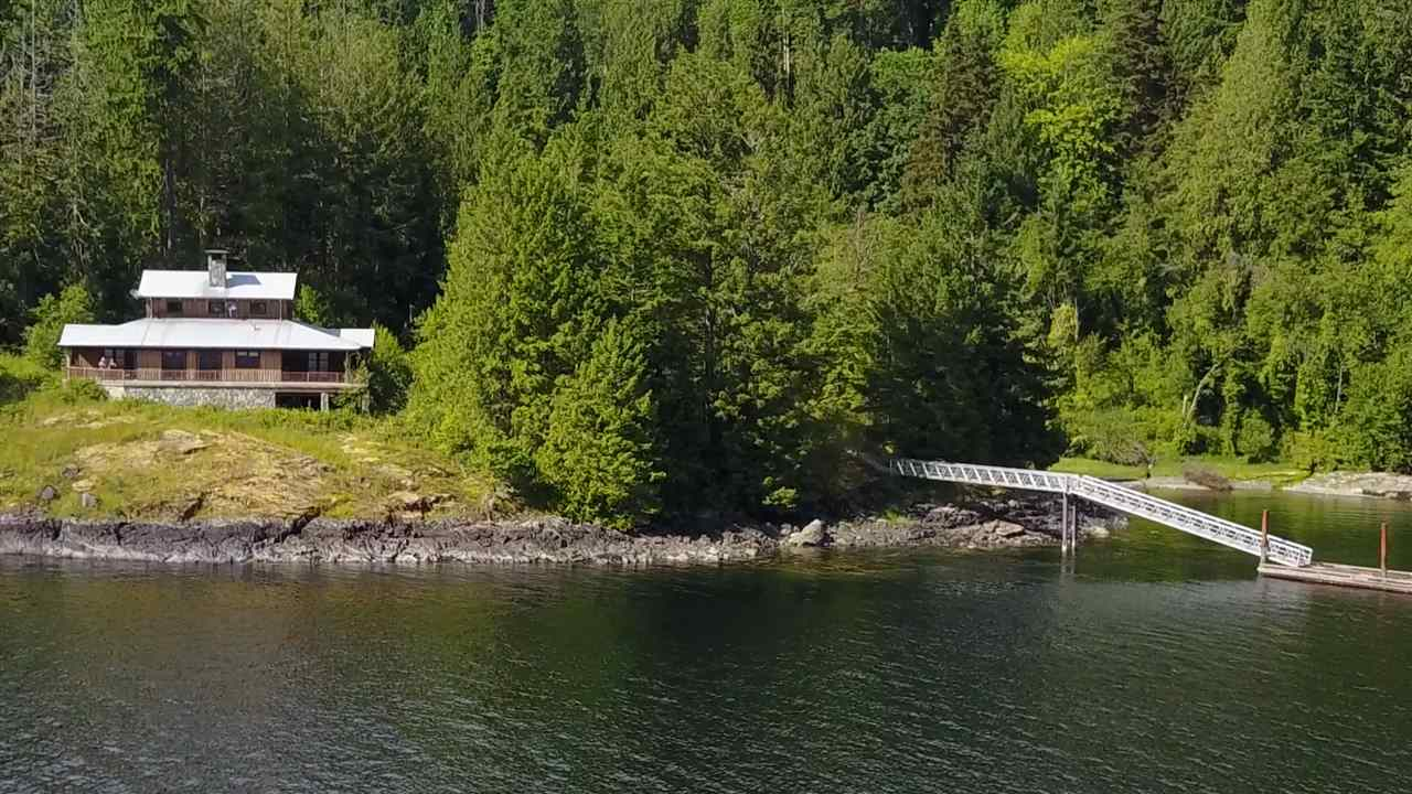 Detached at 4094 OLD EGMONT, Sunshine Coast, British Columbia. Image 2