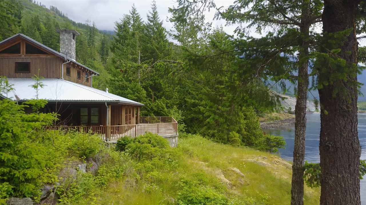 Detached at 4094 OLD EGMONT, Sunshine Coast, British Columbia. Image 3