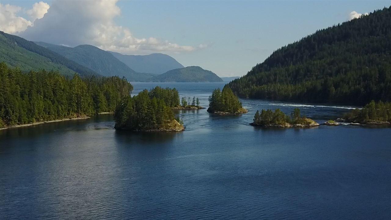 Detached at 4094 OLD EGMONT, Sunshine Coast, British Columbia. Image 4