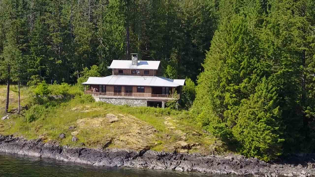 Detached at 4094 OLD EGMONT, Sunshine Coast, British Columbia. Image 5