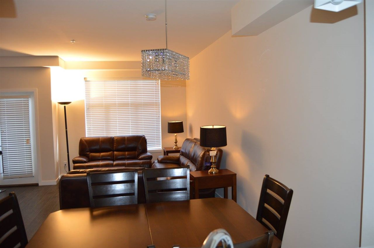Townhouse at 204 32059 HILLCREST AVENUE, Unit 204, Abbotsford, British Columbia. Image 4