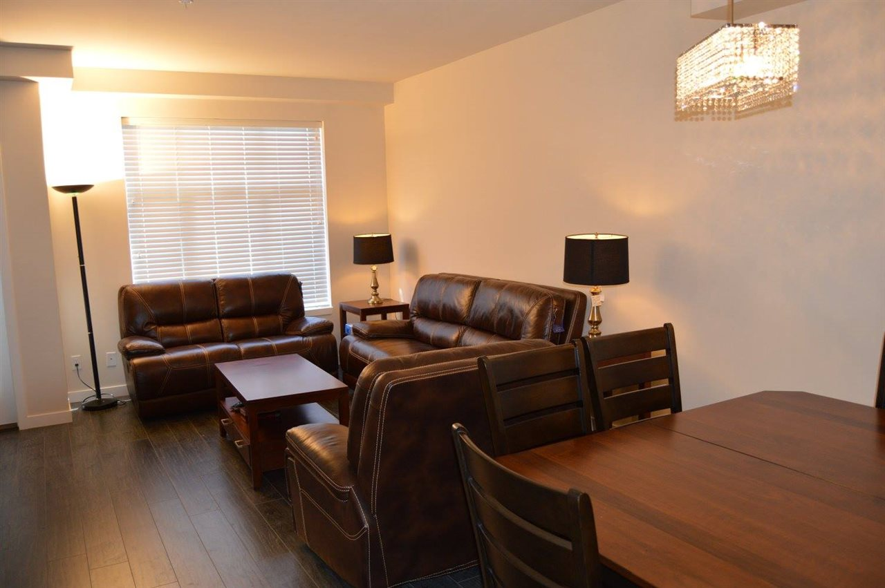 Townhouse at 204 32059 HILLCREST AVENUE, Unit 204, Abbotsford, British Columbia. Image 5
