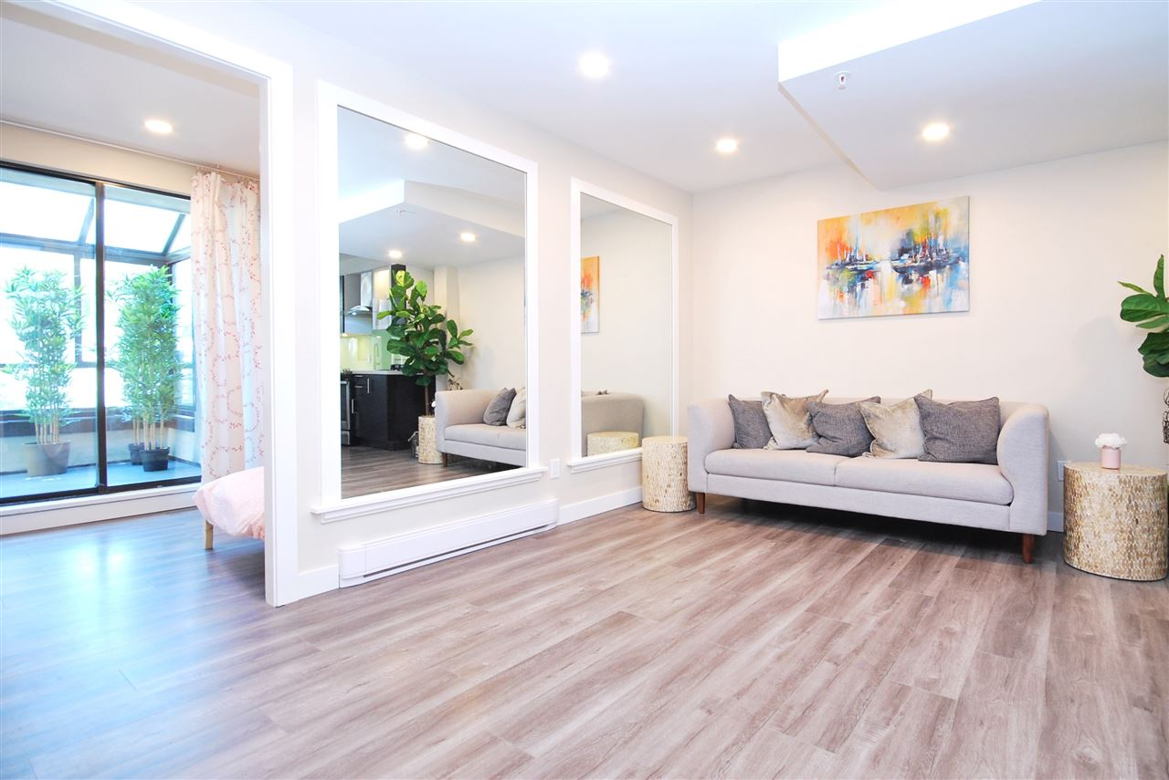 Townhouse at 4 1549 HARO STREET, Unit 4, Vancouver West, British Columbia. Image 2
