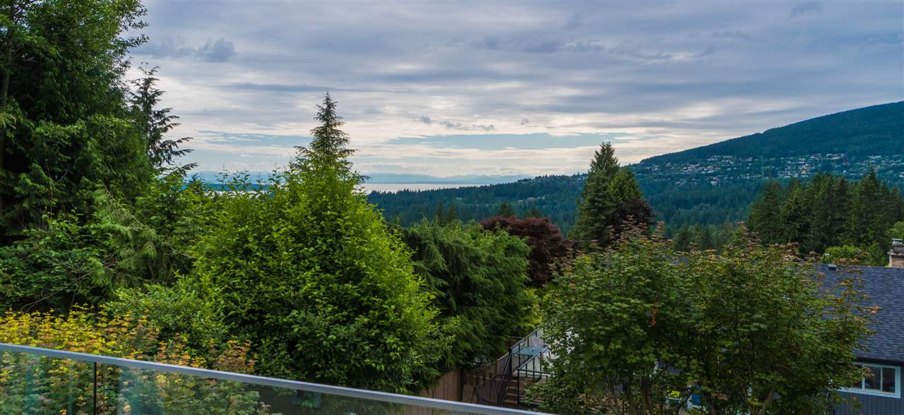 Detached at 5117 FRANCISCO COURT, North Vancouver, British Columbia. Image 1