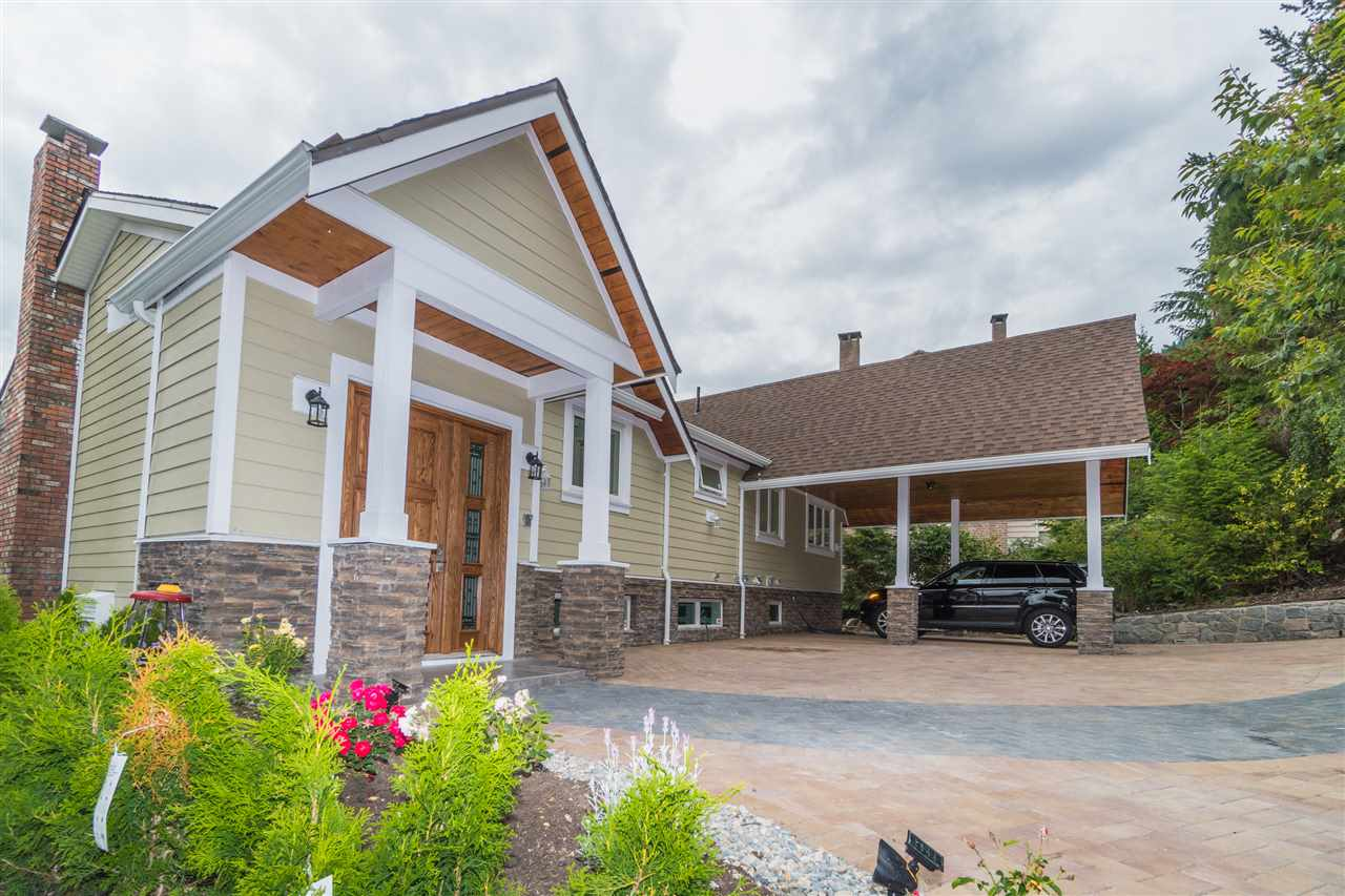 Detached at 5117 FRANCISCO COURT, North Vancouver, British Columbia. Image 2