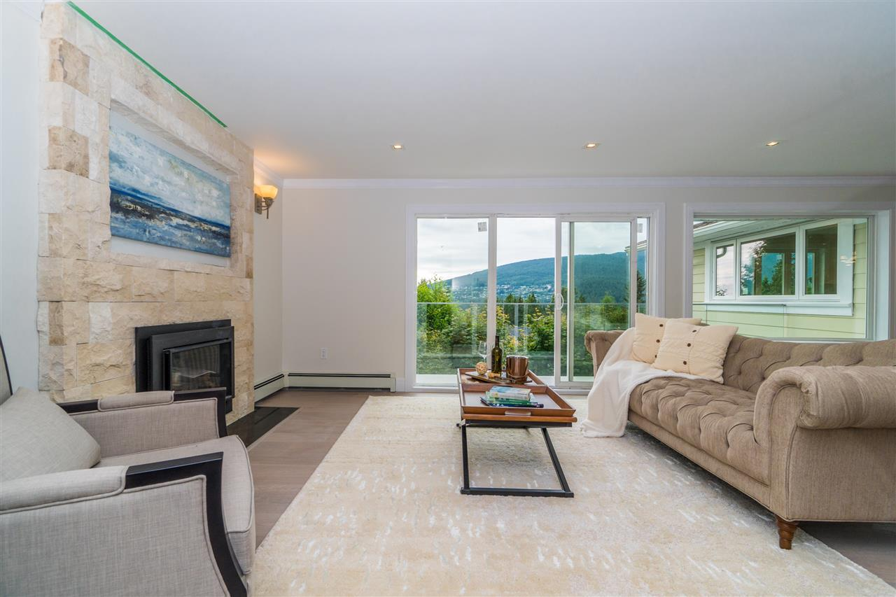 Detached at 5117 FRANCISCO COURT, North Vancouver, British Columbia. Image 3