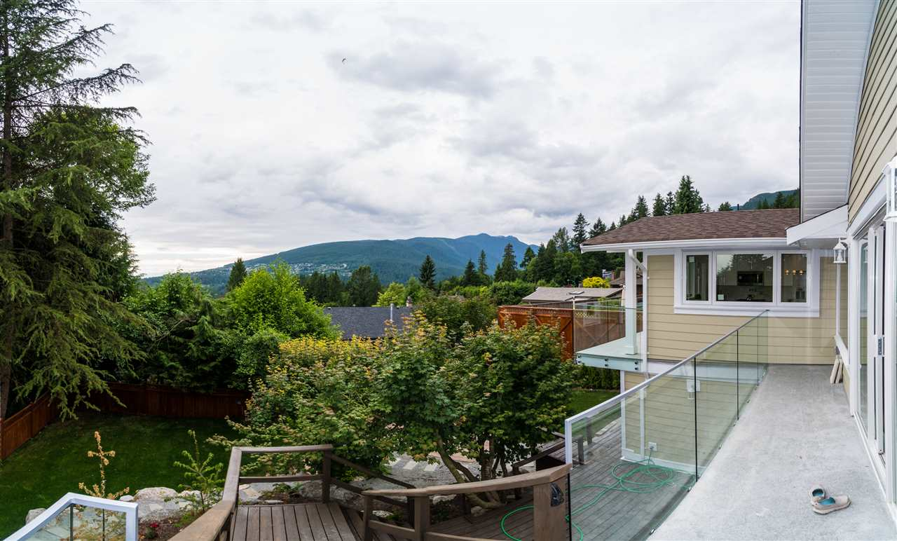 Detached at 5117 FRANCISCO COURT, North Vancouver, British Columbia. Image 19