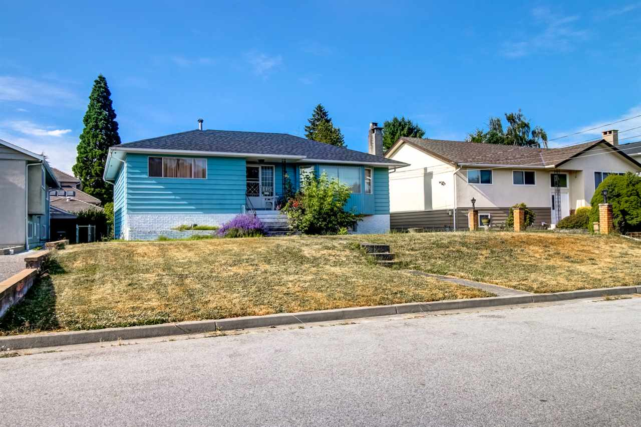 Detached at 6815 YEOVIL PLACE, Burnaby North, British Columbia. Image 2
