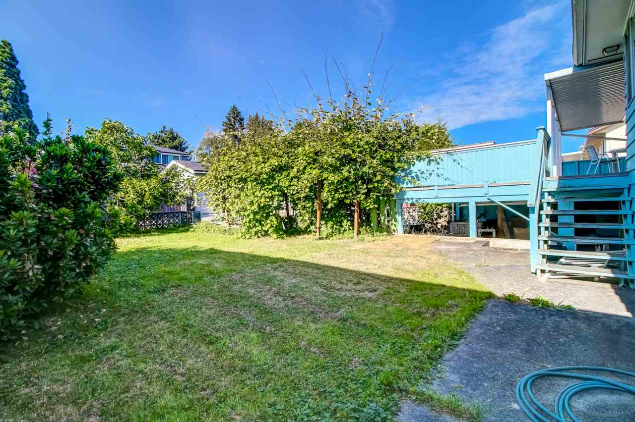 Detached at 6815 YEOVIL PLACE, Burnaby North, British Columbia. Image 3