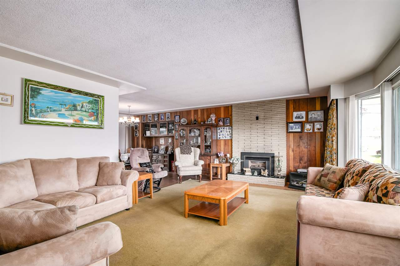 Detached at 6815 YEOVIL PLACE, Burnaby North, British Columbia. Image 7