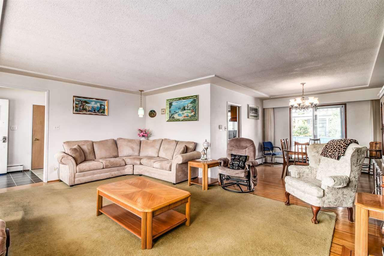 Detached at 6815 YEOVIL PLACE, Burnaby North, British Columbia. Image 8