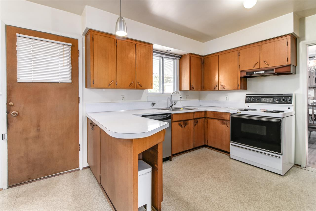 Detached at 6815 YEOVIL PLACE, Burnaby North, British Columbia. Image 10
