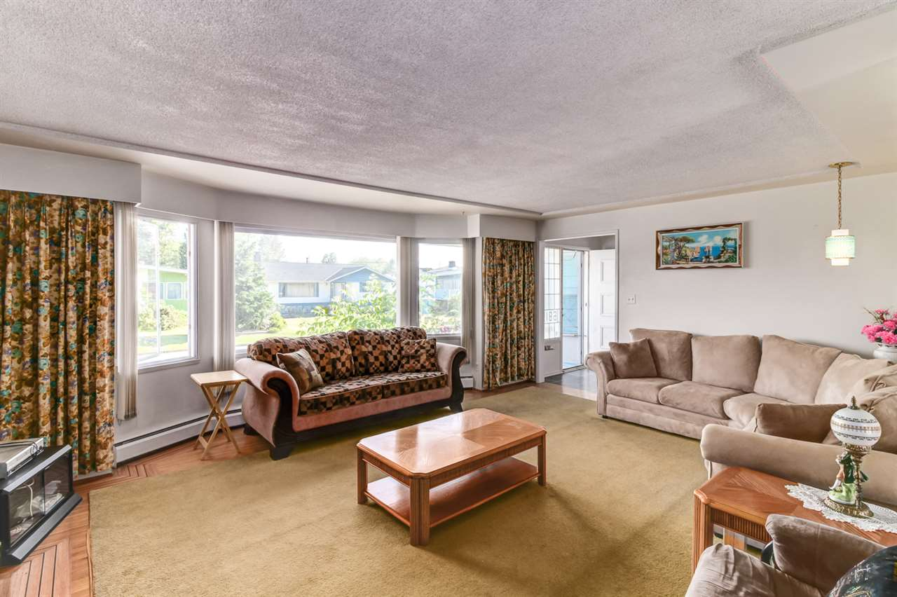 Detached at 6815 YEOVIL PLACE, Burnaby North, British Columbia. Image 12