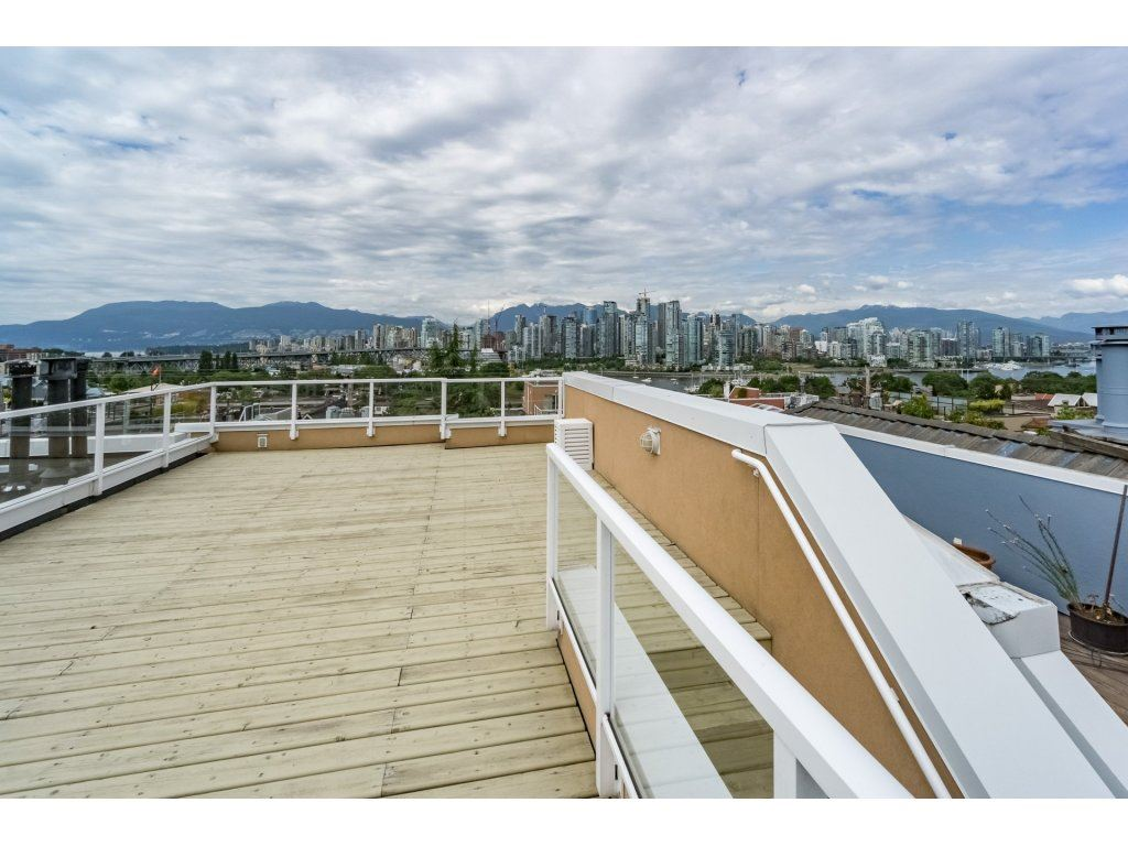 Townhouse at C 1244 W 7TH AVENUE, Unit C, Vancouver West, British Columbia. Image 19