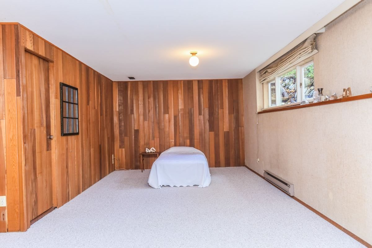 Detached at 2493 HAYWOOD AVENUE, West Vancouver, British Columbia. Image 12