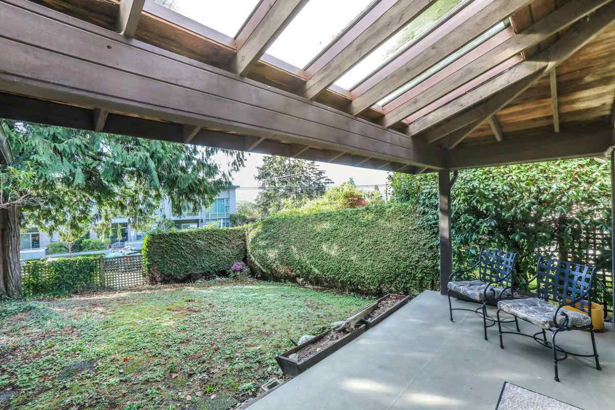 Detached at 2493 HAYWOOD AVENUE, West Vancouver, British Columbia. Image 14