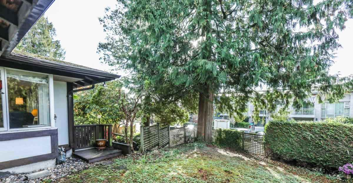 Detached at 2493 HAYWOOD AVENUE, West Vancouver, British Columbia. Image 15