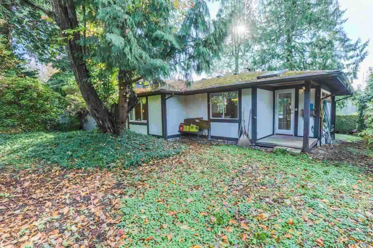 Detached at 2493 HAYWOOD AVENUE, West Vancouver, British Columbia. Image 18