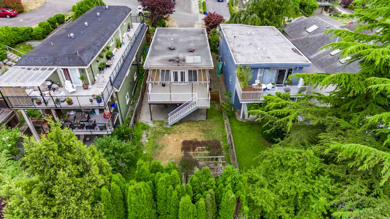 Detached at 867 HABGOOD STREET, South Surrey White Rock, British Columbia. Image 4